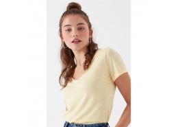 Mavi V Yaka Kadın Toz Sarı Basic Tişört