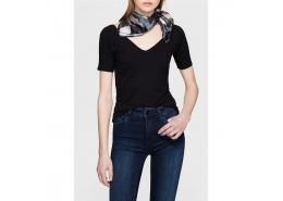 Mavi Derin V Yaka Kadın Siyah Basic Tişört