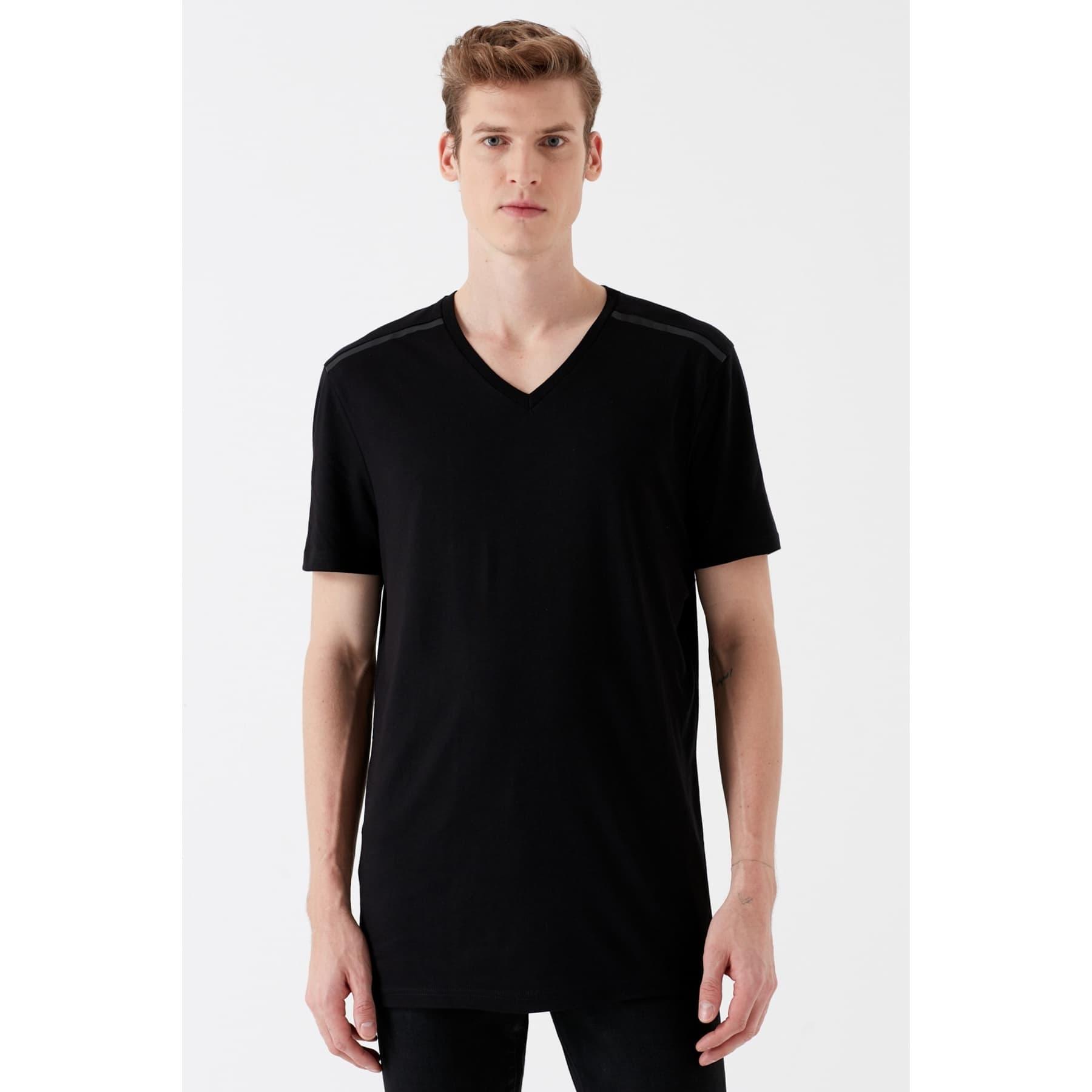 V Yaka Tişört Siyah