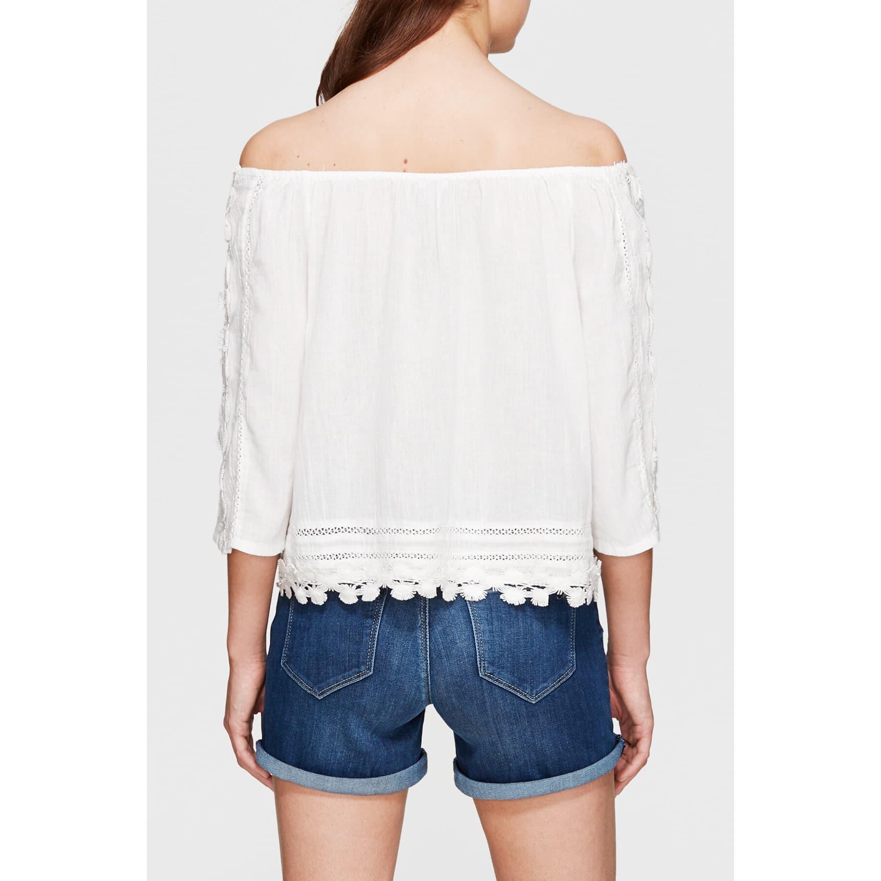 Omzu Açık Dantelli Kadın Beyaz Bluz (121821-25705)
