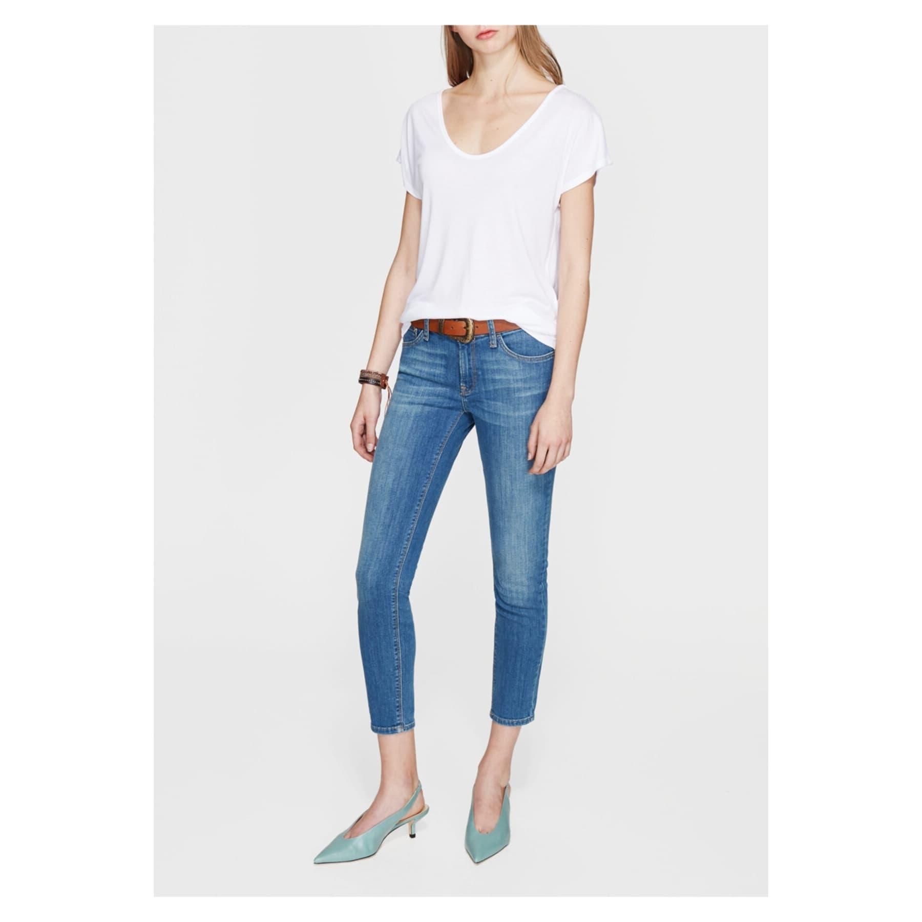 Mavi Kadın V Yaka Düz Beyaz Tişört