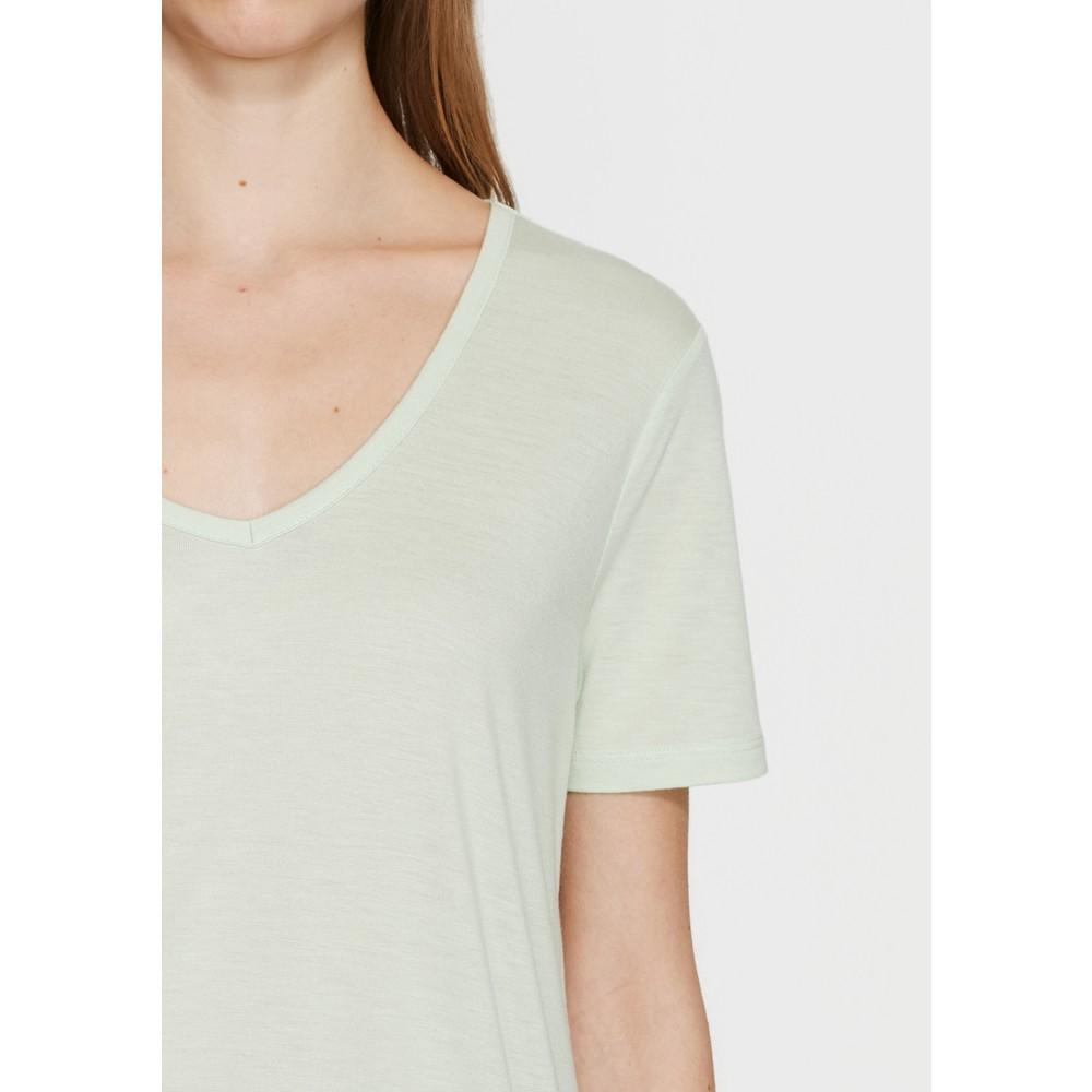 Mavi V Yaka Kadın Çağla Yeşili Basic Tişört