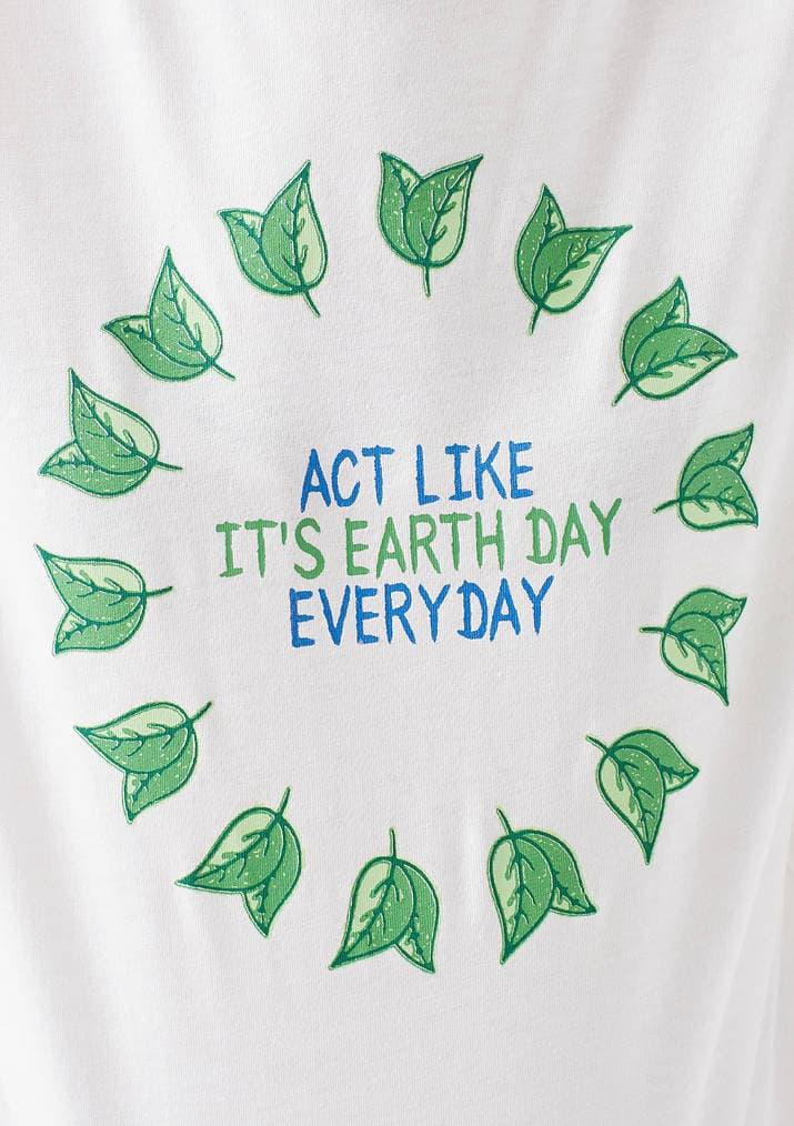 Doğa Dostu Earth Day Baskılı Kadın Beyaz Tişört