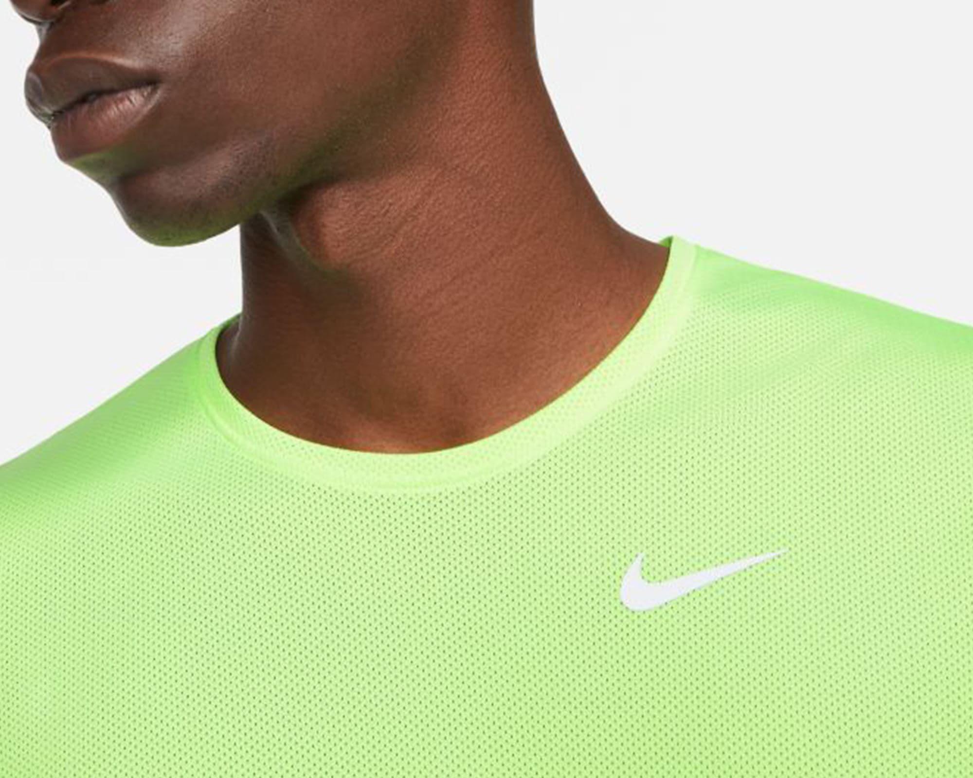 Breathe Erkek Yeşil Koşu Tişörtü (CJ5332-358)