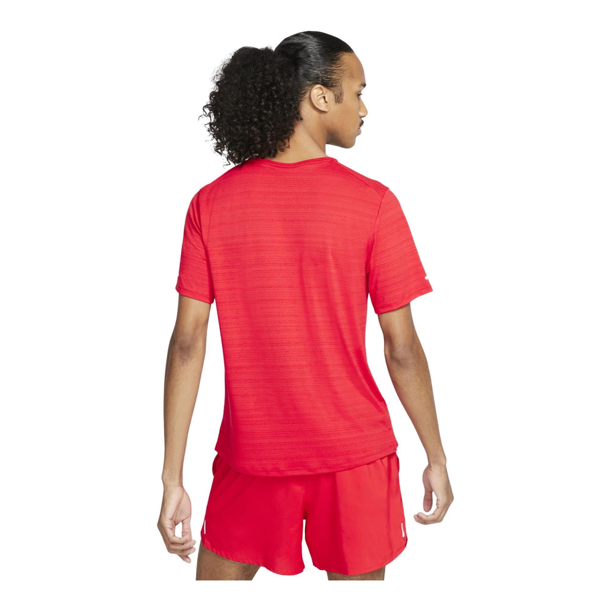Dri-FIT Miler Erkek Kırmızı Koşu Tişörtü (CU5992-657)