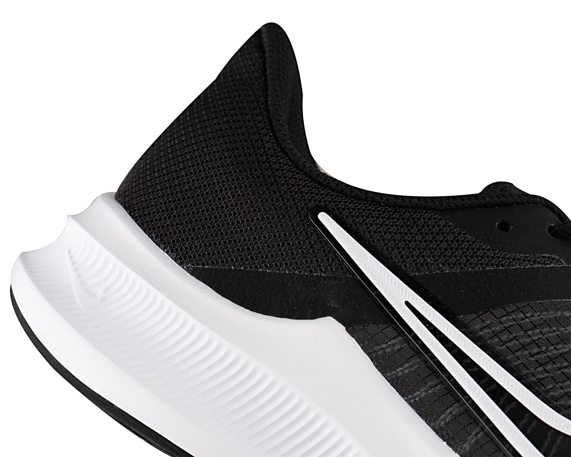 Downshifter 11 Erkek Siyah Koşu Ayakkabısı (CW3411-006)